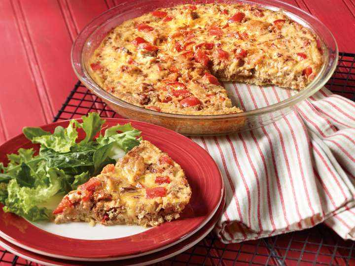 Chipotle Tuna Frittata | Add some zing to your family meal with this gourmet tuna recipe featuring our Chipotle Clover Leaf Tuna. This frittata is a quick recipe thats only 160 calories per serving. Now thats something to oh-la-la about! #cannedtuna #cloverleaftuna #lowcal #healthyrecipes #MyCloverLeaf