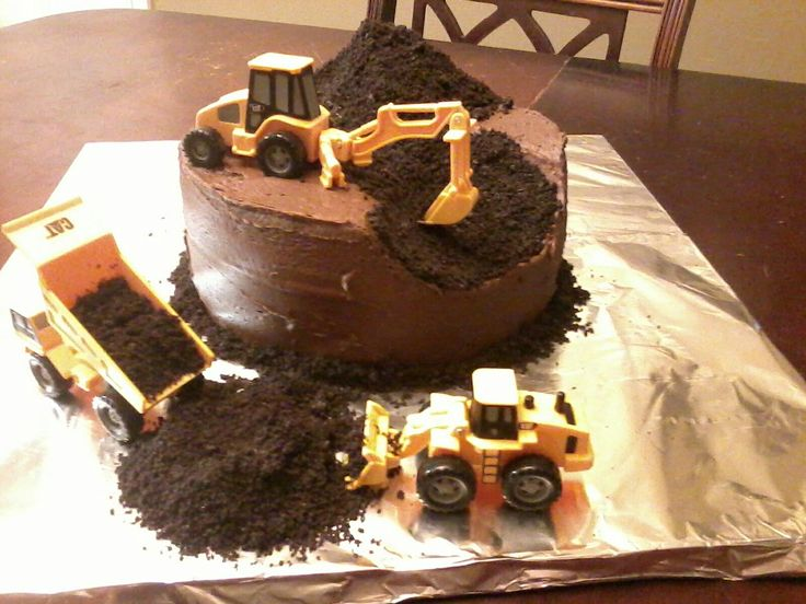 Dirt construction cake. Yep. My future son is going to be so psyched when he gets this for his birthday cake! :)