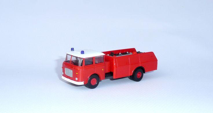 * Škoda 706 cisterna hasiči - 1:87