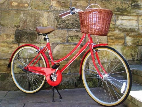 Very nice.Mon Bicyclette, Beautiful, Fun Bicycles, Red Bikes, Beauty, Baskets, Bicycles Dreams, Bicycles Bicycles, Bikes Bikes