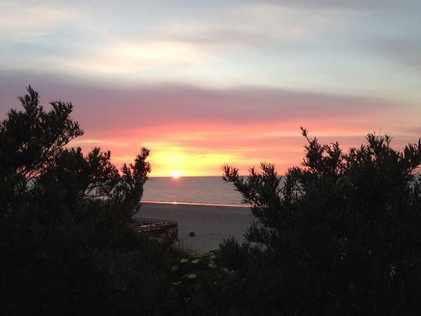 Nacht -  De zon -  Gaat vlammend onder -  Over Fête -  de la Nature @Doritbouman