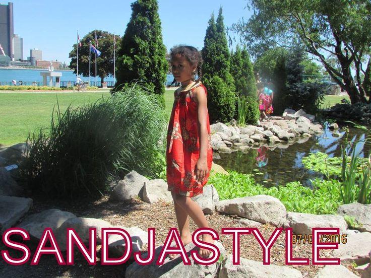 robe classique deux tons faite avec un très beau tissu pagne.. une couture raffinée et épurée