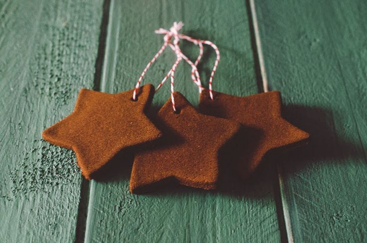 Applesauce and cinnamon ornaments! How sure love this idea for Yule!