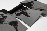 Beprikbare wereldkaart van zwart vilt, XXL afm.126 x 204 cm