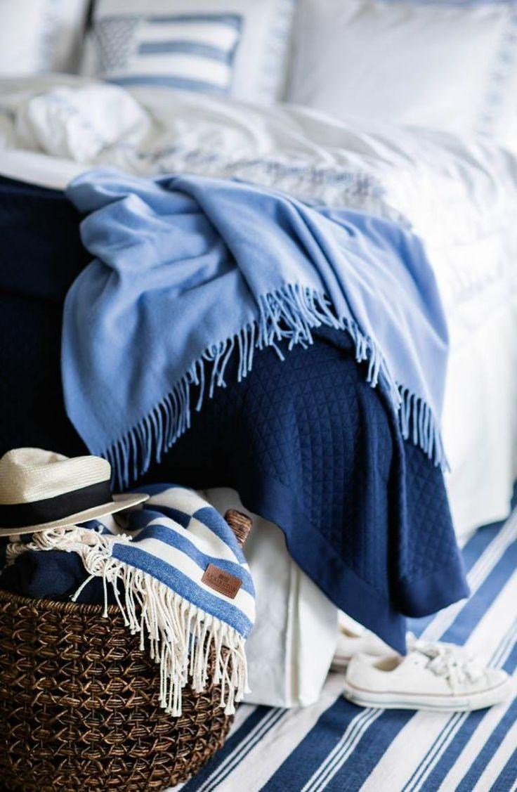 idée de décoration de chambre adulte en nuances bleues