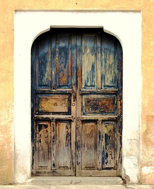 17 mejores im genes sobre puertas antiguas en pinterest for Puertas de madera prefabricadas guatemala