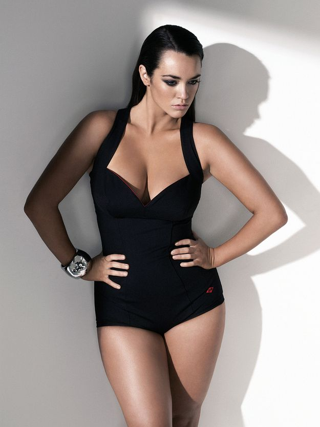 "Laura Wells ""Plus size"" in the fashion world is size 12 and up. Sexy comes in every size. #FatGirlsCanRun"