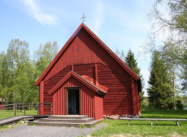 Kesäisin on joka sunnuntai jumalanpalvelus Turkansaaren vanhassa kirkossa.  Oulu (Finland)