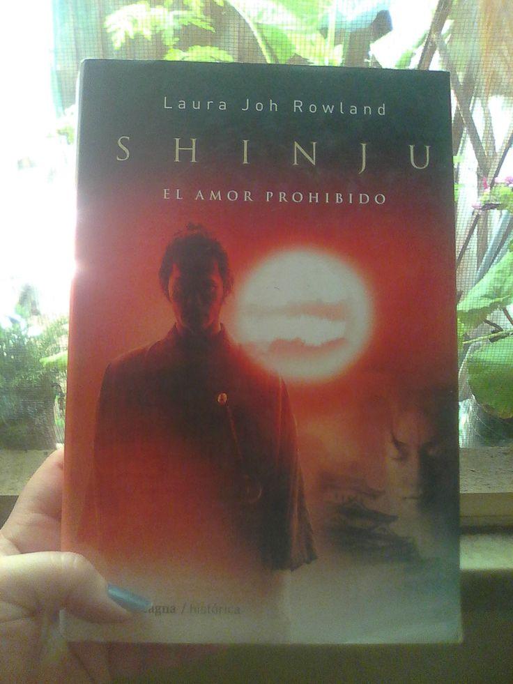 Shinju, el amor prohibido. Novela histórico/policial  http://yani1980.blogspot.com.ar/2015/11/shinju-el-amor-prohibido-de-laura-joh.html