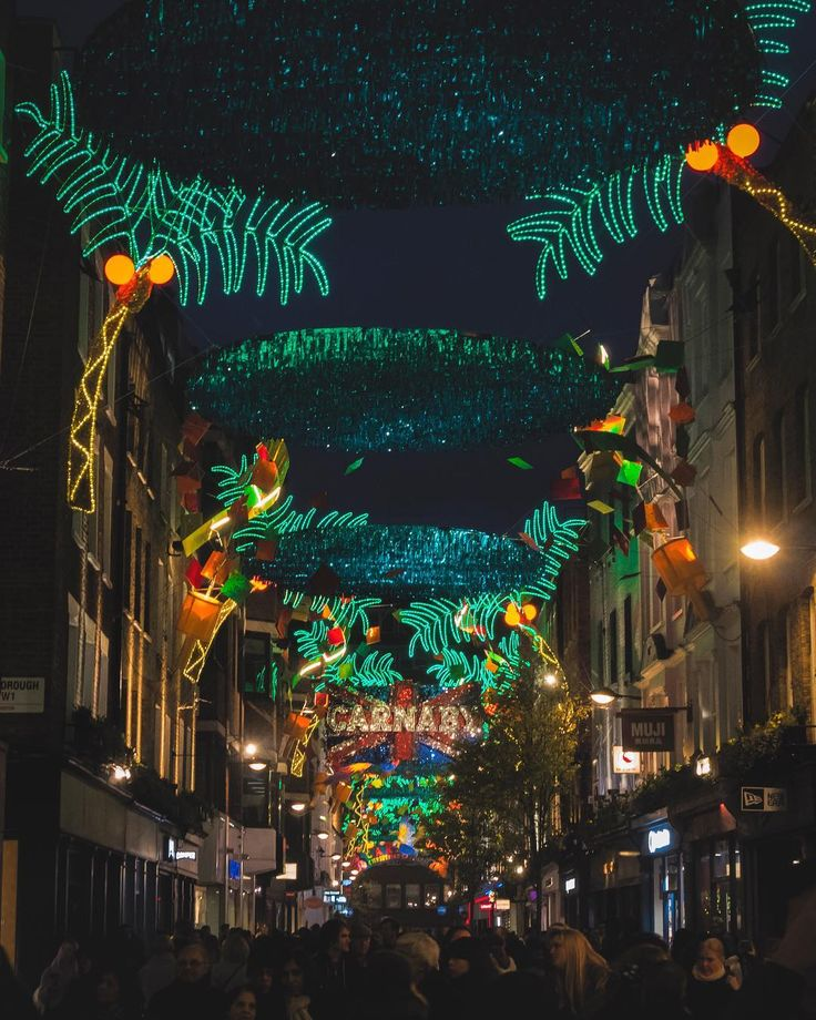 Weird jungle grow and spreads at Carnaby Street ... #xmas #christmasdecor #carnabystreet #cityjungle #greenlight #igers #igerslondon #londongram #thisislondon #igersoftheday #igersdaily #daily #dailypost #iglife #explorer #explore #neverstopexploring #lookaround #serialtraveler #exklusive_shot #beautifuldestinations #visualoftheday #ig_LondonUK #kings_villages #agameoftones #toplondonphoto #ig_masterpiece #visitlondon #picoftheday