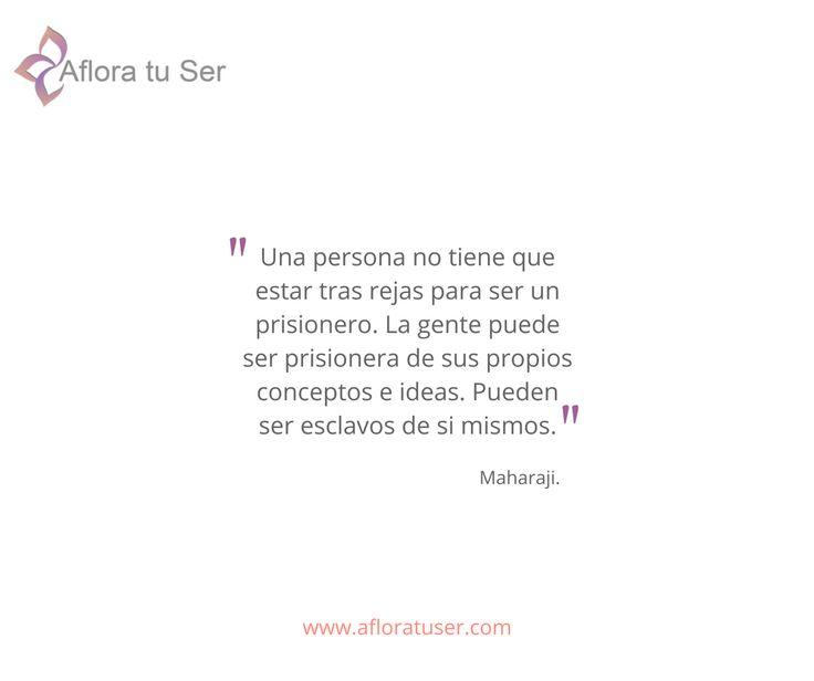 Frases - Una persona no tiene que estar tras rejas para ser un prisionero.