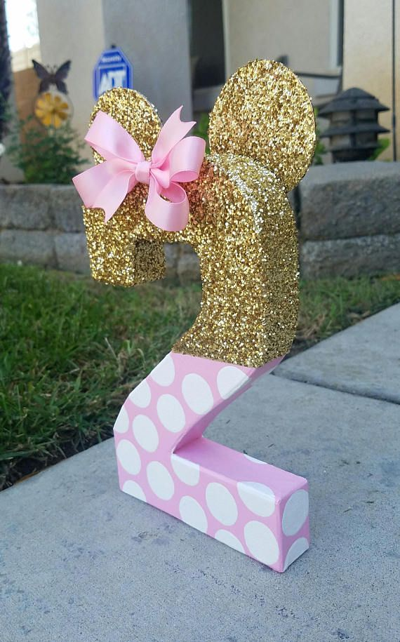 Minnie mouse inspired 8 paper mache age photo prop and birthday decoration. These make a great addition to your child photo session and look great as a centerpiece or additional to your cake table. Made with an 8 paper mache number handpainted in light pink with white polka dots and