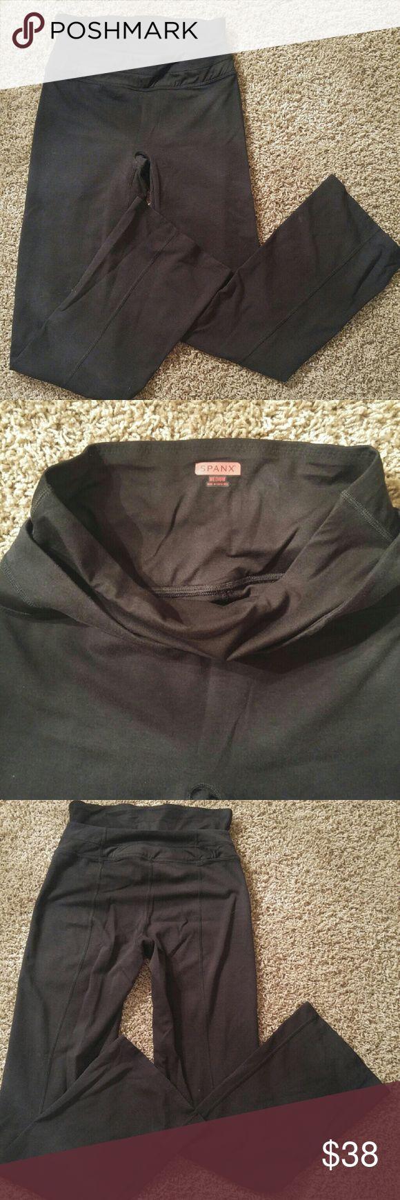 Spanx yoga pants Black pants Size medium SPANX Pants
