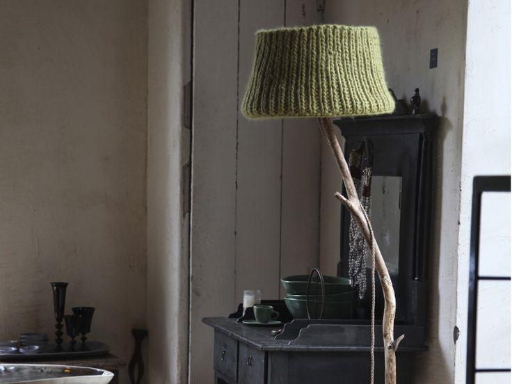 Una lampada da terra in legno paralume mostarda di DUTCH DILIGHT - lampade e illuminazione su DaWanda.com