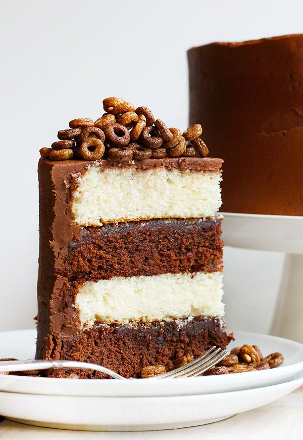 Chocolate Cheerios Cake: Desserts Recipes, Cereal Desserts, Cheerio Cakes, Chocolates Cakes, Dessert Recipes, Black And White, I Am Baker, Sweet Tooth, Cereal Treats
