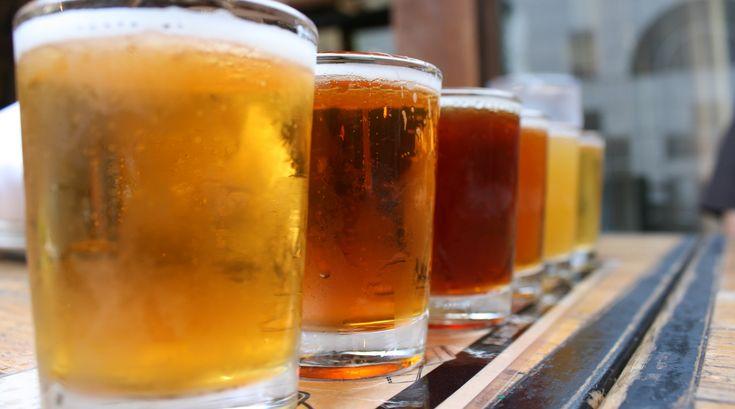Ahhh. Er der noget bedre, end at nyde en kølig, hjemmebrygget øl fredag eftermiddag? 🍻 #ølbrygning