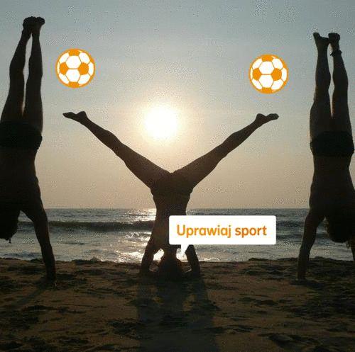"""""""Sport to zdrowie, każdy Ci to powie, kto go czynnie uprawia, to on bowiem sprawia, że nawet na plaży nikt z nas się nie smaży, ćwiczymy tam ambitnie a każdy z nas aż kwitnie :)"""" Autor: Jurek"""