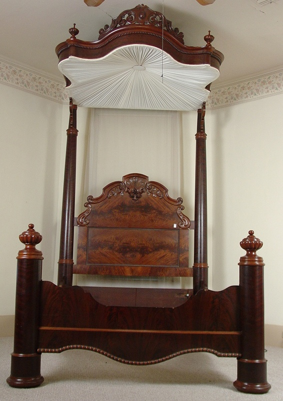 Mahogany Half Tester Plantation Bed, Queen Size, Pierced Carved Crown, Att.  To. Antique BedroomsAntique ...