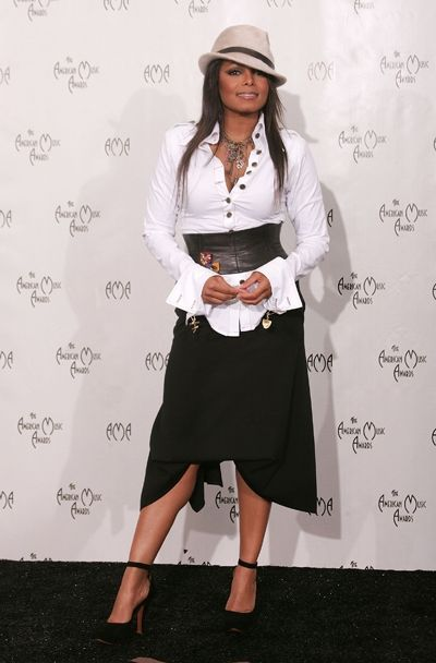 Janet Jackson at The 32nd Annual American Music Awards - November 2004