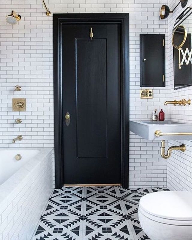 A shot from the black + white bathroom post from a few days ago.  Such a beauty by @katiemartinezdesign.  Also @luluandgeorgia is having a huge sale -- details + picks on Beckiowens.com.