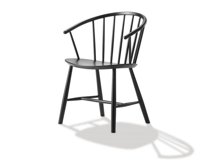 Sedia in legno J64 by FREDERICIA FURNITURE | design Ejvind A. Johansson