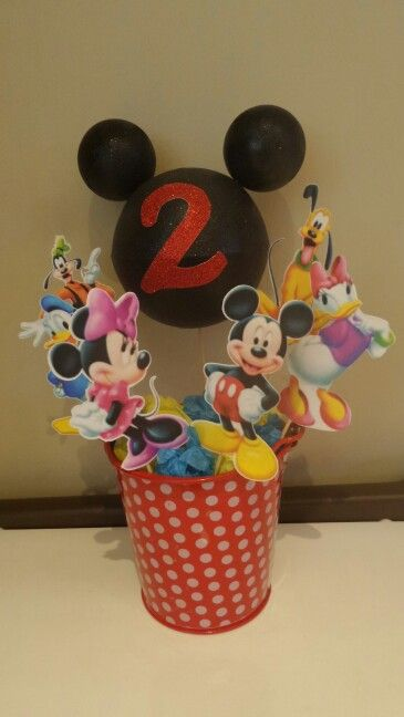 Mickey Mouse Clubhouse party table decoration