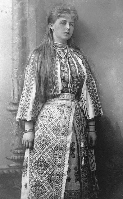 romanian-national-costume-4 | Flickr: partage de photos!