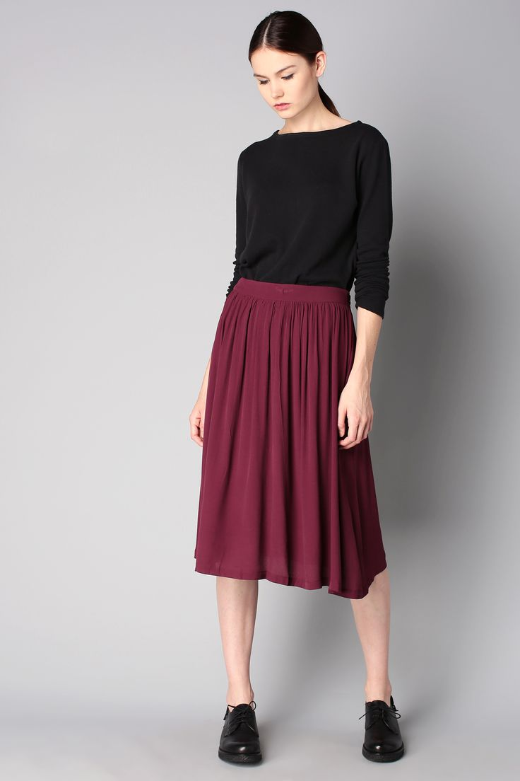 pleated midi skirt how to wear