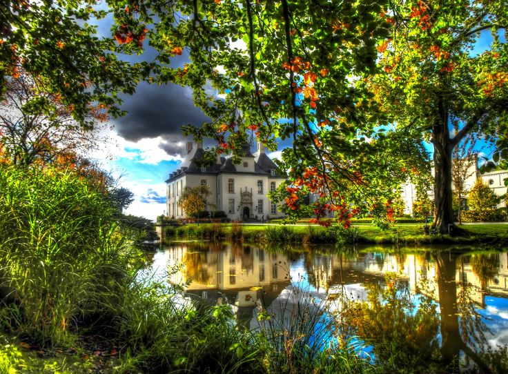 Man Made Castle Gartrop  Reflection Tree Gartrop-Buehl Foliage Germany North Rhine-Westphalia Earth Building Lake Wallpaper
