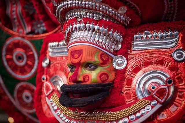 #Theyyam during his performance at a local temple Kannur. #Vettaykorumakan_Theyyam #binoygeorgephotography #binoygeorge #lpmi #NGTIndia #apfmagazine #creativeimagemagazine #LiveBravely #TLPicks #LiveTravelChannel #insidertravel #tripotocommunity #CultureTrip #bbcculture #wonderful_places #tourism #IncredibleIndia #iamnikon #indiaphotosociety #YourShotPhotographer #dslrofficial #photographers_of_india #Culture #discoverindia #OutlookTraveller  #portrait #blacknwhite #people @pictures.of.india…