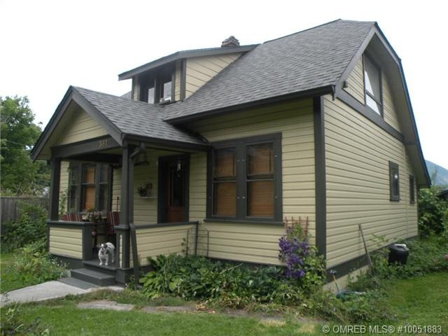 Lovely heritage home, lovely owner!