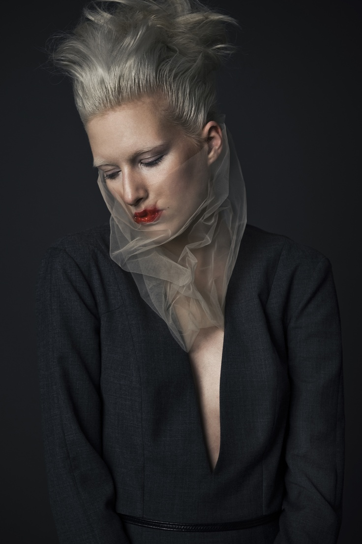 editorial @ REVS magazine | photo: Daniel Jaroszek / tulle collar: Asia Wysoczyńska