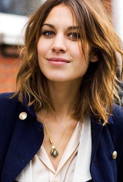 Cheveux mi-Longs Magnifiques- 40 Modèles Impressionnants | Coiffure simple et facile