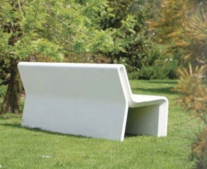 Contemporary outdoor bench in concrete for public spaces (with backrest) Design by Daniel Caramelo  AR PURO