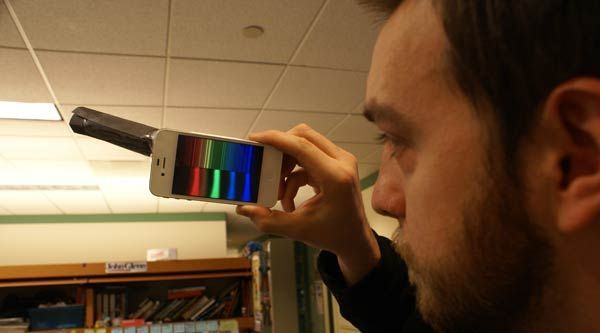Physics Buzz: Turn Your Phone Into a Spectrometer — For Free!