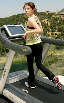 Anna Kendrick running with a sweet view # ...