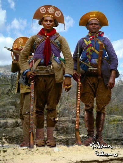 Cangaceiros: Zé Sereno, Azulão e Mané Moreno. Foto colorizada e retificada por Rubens Antonio.