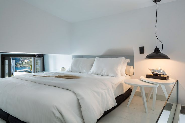 Elegant Suite Sharing Pool