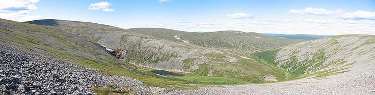 Urho Kekkosen kansallispuisto – Urho Kekkonen National Park. Wikipedia.