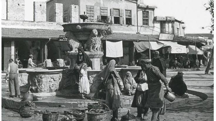 Κρητικοί και Οθωμανοί πλένουν ρούχα και παίρνουν νερό από τα Λιοντάρια!