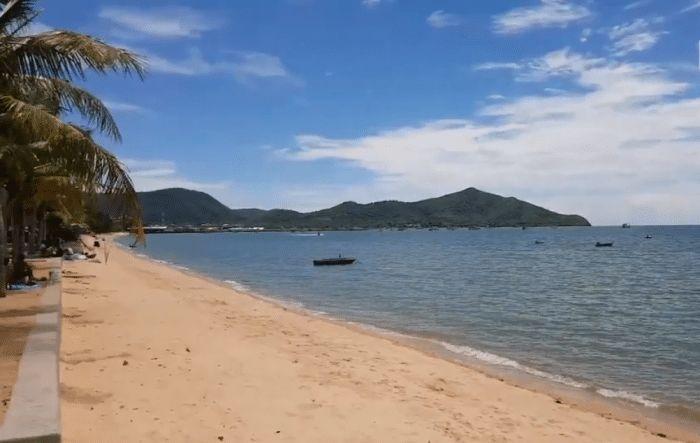 Thailand To Introduce Smoking Ban On 20 Beaches https://www.deeperblue.com/thailand-introduce-smoking-ban-20-beaches (Ocean Advocacy)