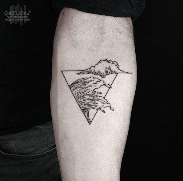 Blackwork Wave Tattoo by Okanuckun