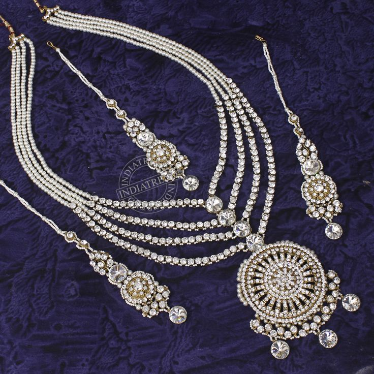 Gorgeous wedding jewelry. Sabiha by Indiatrend.