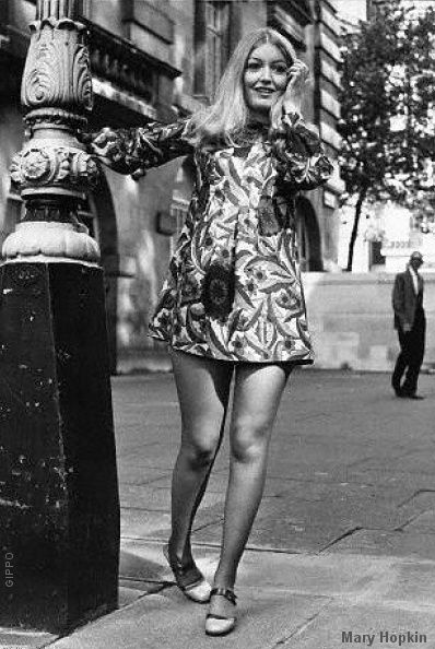 Miniskirts years 60s 70s • 2 • Girls sixties + seventies images gallery minidress pictures