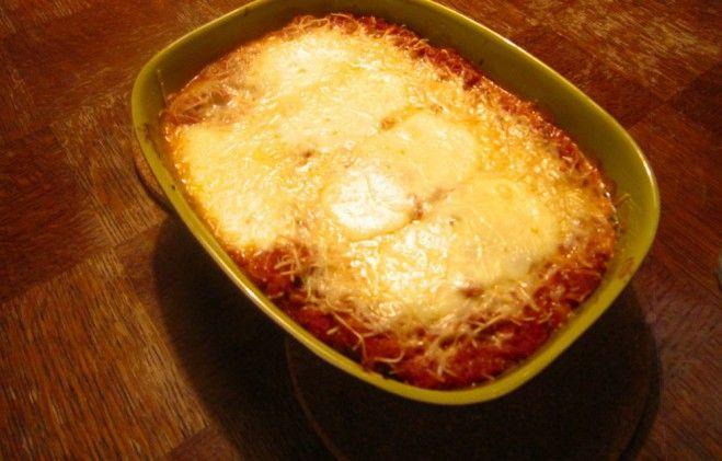 Ik kan niet geloven dat ik mijn recept voor de makkelijkste vegetarische lasagna van de wereld nog nooit heb gedeeld. Ik maakte hem onlangs nog toen mijn schoonouders kwamen eten op plogdag 2, en z...