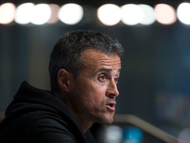 Luis Enrique: 'Barcelona could spend in January' #Transfer_Talk #Barcelona #Football