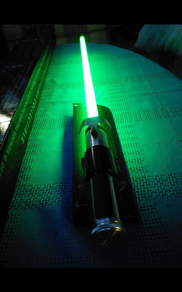 Star Wars Yoda Force FX Lightsaber by Master Replicas