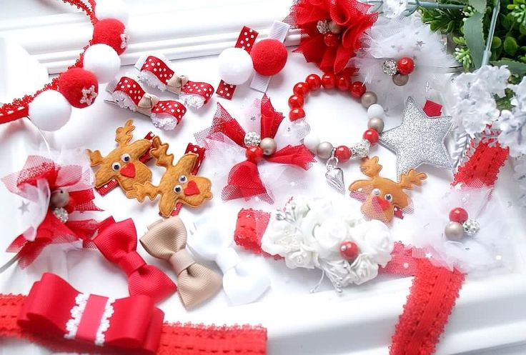 Hairaccessories handmade by Filipola. Hairclips, hairband, hairbow, tulle flowers, rudolph. Amazing Christmas time.