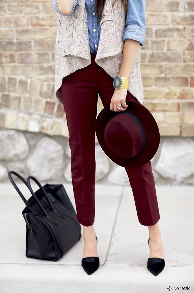 les 25 meilleures id es de la cat gorie tenue de pantalon bordeaux sur pinterest pantalon. Black Bedroom Furniture Sets. Home Design Ideas