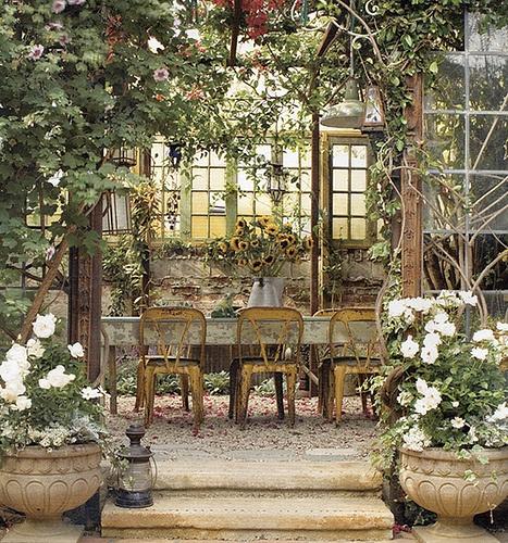romantic french garden...wish I had this